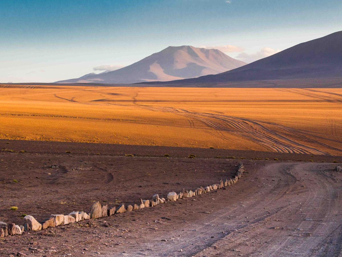 Day 2: Desierto Siloli - Tahua (B, L, D)